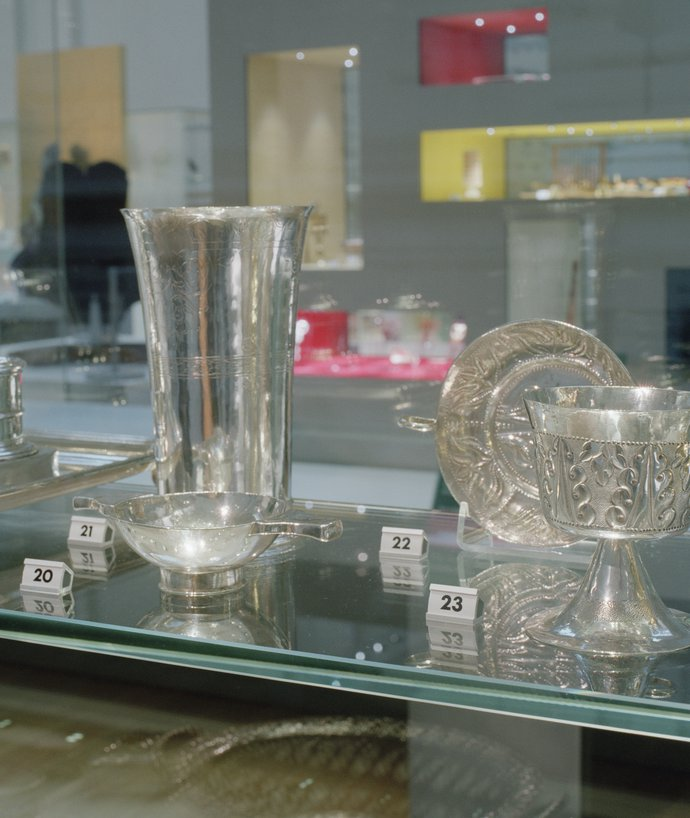 Manchester City Gallery – Gallery of Craft & Design and Manchester Gallery, 2002 (Exhibition), image 6